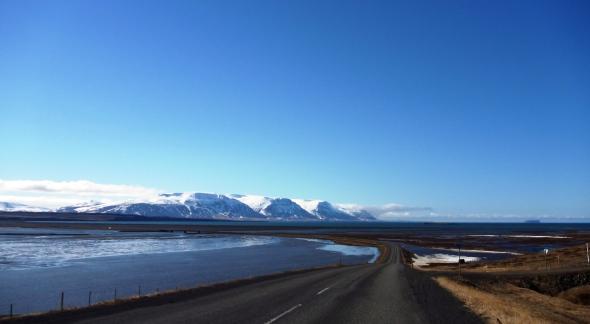 Driving around the Ísafjarðardjúp fjord