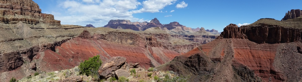 Looking down at the Red Canyon from the New Hance Trail