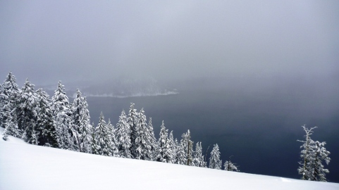 Wintery conditions at Crater Lake National Park
