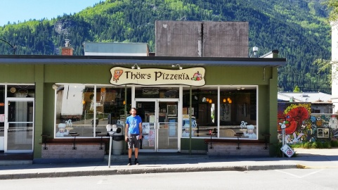As per Cory's suggestion, we ate at Thor's Pizzeria in Nelson