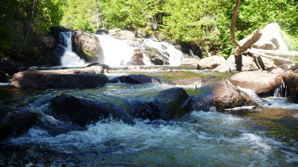 A waterfall at the Devil's Chair - Chalfant Cove trail junction