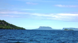 Sailing through islands