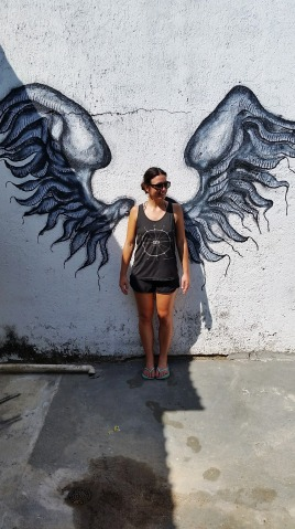 Finding wings while shipping in San Pancho