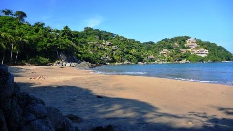 Playa Los Muertos